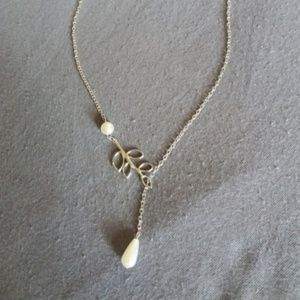 Pearl and leaf necklace wedding simple elegant